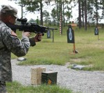 Soldiers Prefer Lighter Machine Gun During Assessment