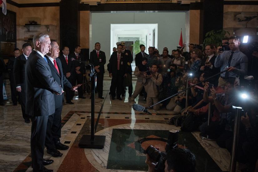 Mattis thanks Vietnam for supporting sanctions on N. Korea
