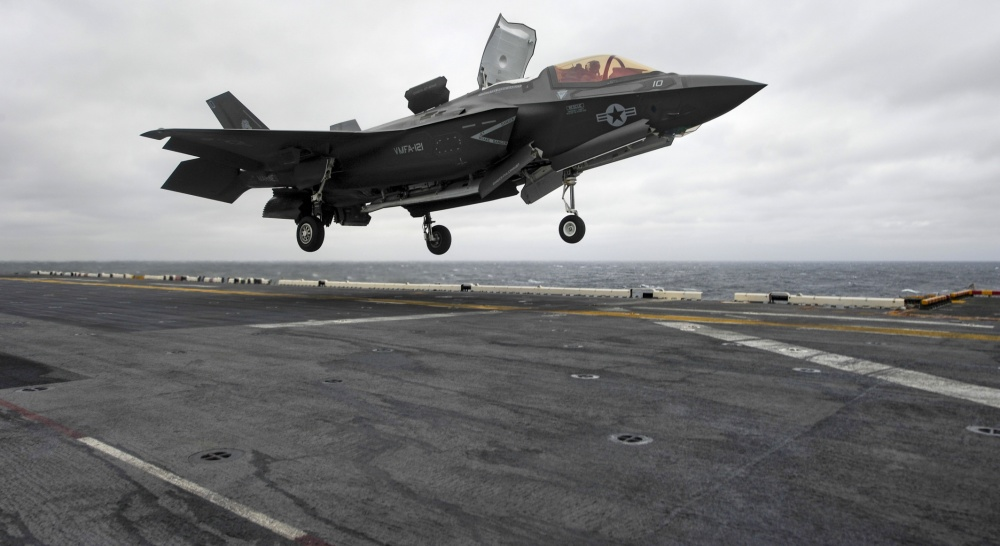 F-35B shows versatility with historic landing at sea
